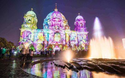 Berlino illuminata a festa per il Festival delle Luci