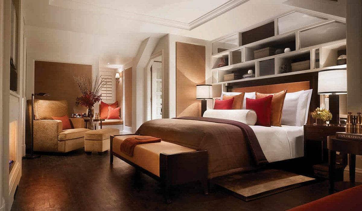 rsz_penthouse-suite-london-explorers-bedroom-corinthia